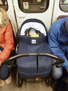 Umístění kočárku v metru